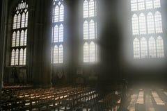 Luz difundida através dos indicadores da catedral Fotografia de Stock Royalty Free