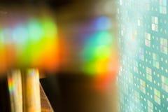 A luz do arco-íris de reflexão, colorida de reflete a luz abstrata clara fotografia de stock