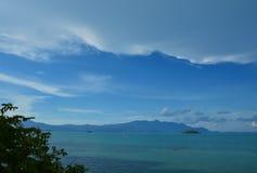Luz do dia Bintan maravilhoso Indonésia do céu azul imagem de stock royalty free