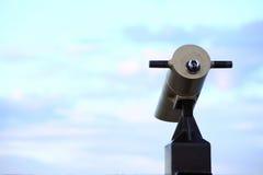 luz do dia da opinião do visor do telescópio do turista da Cidade-vista Fotos de Stock Royalty Free