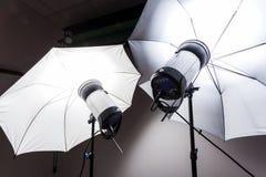 Luz do estúdio para a fotografia imagens de stock royalty free