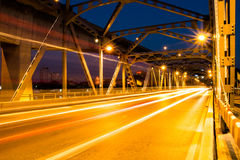 Luz do feixe de ponte de Krungthep em Banguecoque Tailândia Foto de Stock Royalty Free
