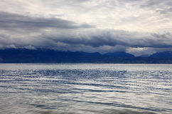Luz do por do sol sobre o lago Genebra, Suíça, Europa Imagem de Stock Royalty Free