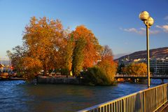 Luz do por do sol sobre o lago Genebra no outono, Suíça, Europa Foto de Stock Royalty Free