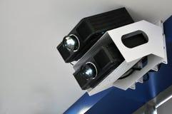 A luz do projetor na sala de confer?ncias fotos de stock royalty free