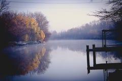 Luz do rio da manhã Fotografia de Stock Royalty Free
