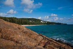 Luz do sol na praia Tailândia de Phuket Fotos de Stock