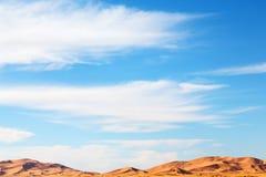 luz do sol no deserto da areia e da duna de Marrocos Fotos de Stock Royalty Free