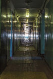 Luz en el extremo de un pasillo Imagenes de archivo