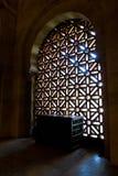 Luz en la mezquita, Córdoba de la mañana Imágenes de archivo libres de regalías