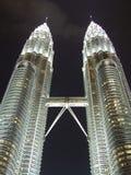 luz hermosa en la torre de Petronas en malasia del lumpor del kula Foto de archivo