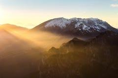 Luz mágica en el valle Foto de archivo libre de regalías
