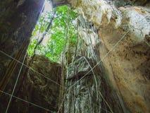 Luz na caverna Imagens de Stock