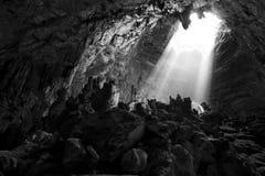 Luz na caverna Fotos de Stock