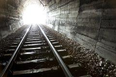 Luz na extremidade do túnel Foto de Stock