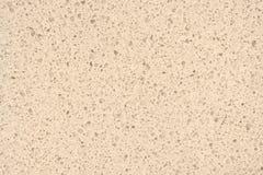 A luz natural de superfície de quartzo - amarele para o cou do banheiro ou da cozinha imagem de stock