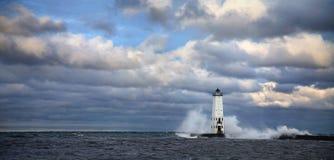 Luz norte do quebra-mar de Frankfort imagem de stock royalty free