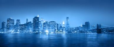 Luz - Panaroma azul de New York City Imagens de Stock
