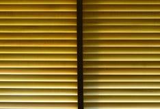 A luz penetra a cortina de madeira para o fundo Foto de Stock Royalty Free