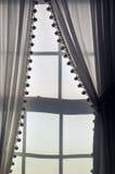 Luz solar através das cortinas de linho fotos de stock royalty free