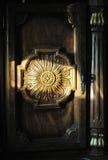 Luz solar no gabinete velho Imagens de Stock