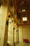 Luz suave a través de ventanas Imagenes de archivo