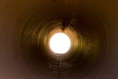 Luz a través del túnel Imagenes de archivo