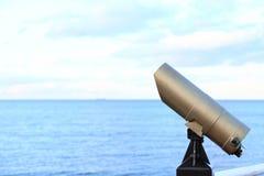 luz turística del día de la opinión del visor del telescopio de la Ciudad-vista Fotos de archivo libres de regalías