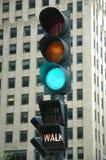 Luz verde - caminhada Imagens de Stock