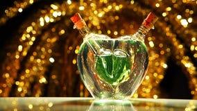 Luz verde de cristal del estudio del día de tarjetas del día de San Valentín del corazón almacen de video