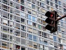 Luz vermelha e janelas coloridas Imagens de Stock