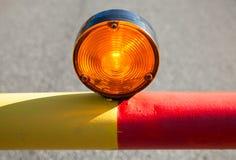 Luz vermelha na barreira automática da estrada imagem de stock royalty free