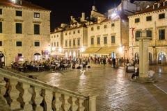 Luza广场在晚上 杜布罗夫尼克市 克罗地亚 库存图片