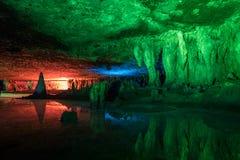 Luzes artificiais dentro das cavernas de Sudwala, Mpumalanga Foto de Stock Royalty Free