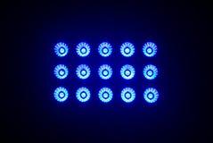 Luzes azuis do estádio em uma noite Fotos de Stock