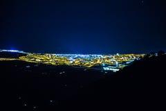 Luzes bonitas da cidade da noite fotografia de stock