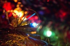 Luzes brilhantes da árvore de Natal Imagens de Stock Royalty Free