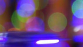 luzes coloridas unfocused ou fundo borrado video estoque