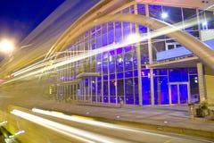 Luzes da cidade da noite imagem de stock