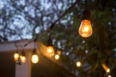 Luzes da corda do bulbo do vintage foto de stock royalty free