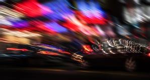 Luzes da iluminação e da noite na cidade grande Foto de Stock