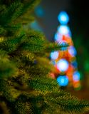 Luzes da noite de uma árvore de Natal Ano novo Imagens de Stock