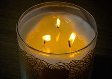 Luzes da vela durante o festival do Natal Fotos de Stock Royalty Free