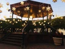 Luzes das estrelas em San Miguel de Allende foto de stock royalty free