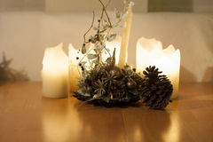 Luzes das velas, de Natal e decoração com grande milho Imagens de Stock Royalty Free