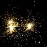 Luzes de Bengal efervescentes em um feriado alegre Imagens de Stock