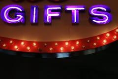 Luzes de néon dos presentes Fotografia de Stock Royalty Free