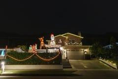Luzes de Natal bonitas na vizinhança superior do rancho de Hastings imagens de stock