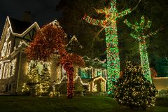 Luzes de Natal na casa em Brookling foto de stock royalty free