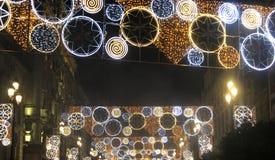 Luzes de Natal na rua fotos de stock royalty free